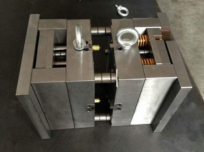 Injection mold  in China